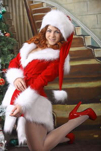http://img251.imagevenue.com/loc112/th_531428717_silver_angels_Sandrinya_I_Christmas_1_070_123_112lo.jpg