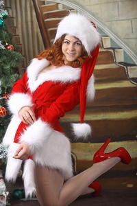 http://img251.imagevenue.com/loc112/th_531428717_silver_angels_Sandrinya_I_Christmas_1_070_123_112lo.jpg