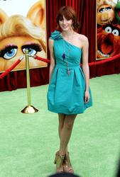 http://img251.imagevenue.com/loc173/th_596035255_Bella_Thorne_The_Muppets_Premiere_Hollywood_122_173lo.JPG