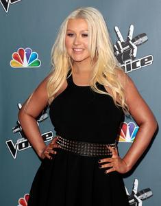 [Fotos+Videos] Christina Aguilera en la Premier de la 4ta Temporada de The Voice 2013 - Página 4 Th_985836108_Christina_Aguilera_26_122_195lo
