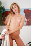 Kylie Nicole - Footfetish 4v6ojsvtc4b.jpg