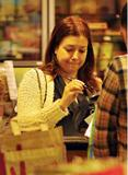 Элисон Хэнигэн, фото 1279. Alyson Hannigan goes grocery shopping in LA, january 14, foto 1279