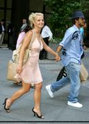 Britney Spears CLASSIC - Shopping in New York September 13,  2004 X63HQ