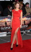 http://img251.imagevenue.com/loc479/th_376337165_AmyWillerton_olympus_has_fallen_uk_prem_038_122_479lo.jpg