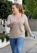 http://img251.imagevenue.com/loc503/th_006863839_Hilary_Duff_shops_for_new_furniture31_122_503lo.jpg