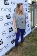 http://img251.imagevenue.com/loc567/th_657184798_Hilary_Duff_DoSomething_Bing_Summer_of_Doing_Event35_122_567lo.jpg