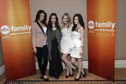 http://img251.imagevenue.com/loc63/th_14040_pretty_little_liars_tca_panel_1_122_63lo.jpg